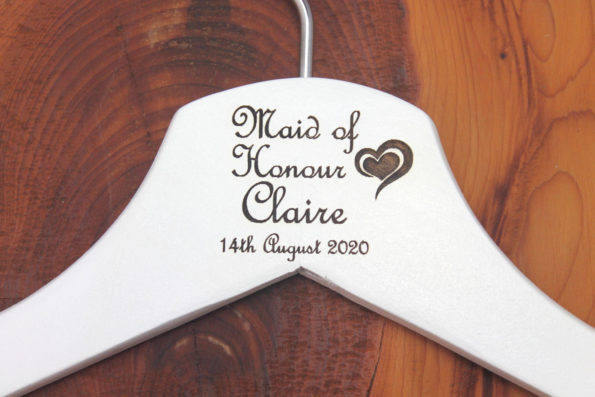 Personalised Bridal Wedding Hanger in Wood or White - Hanger Engraved Wedding Gift Bride, Bridesmaids and more - Deco Heart